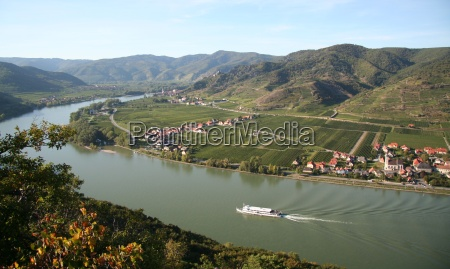 autumn day in the wachau no