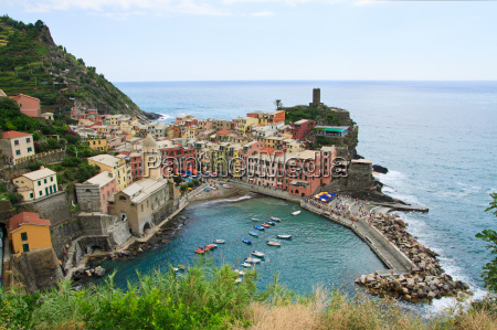seaside town of vernazza in cinque