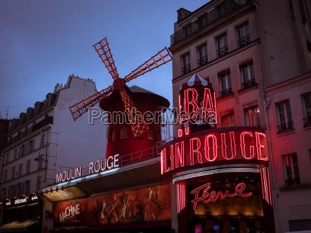 moulin rouge montmartre paris france europe
